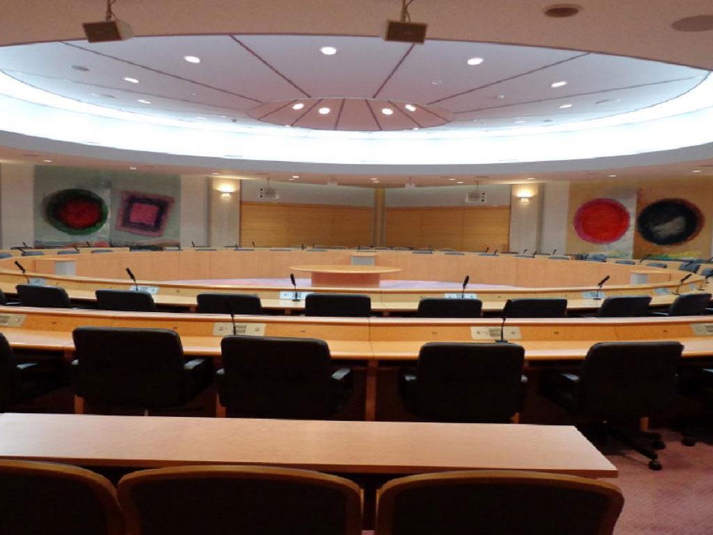 市町村会館会議室